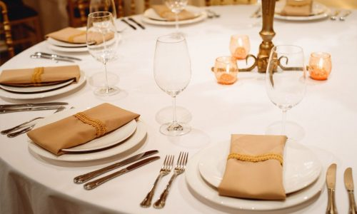 catering-meetings_185356640-1024x683